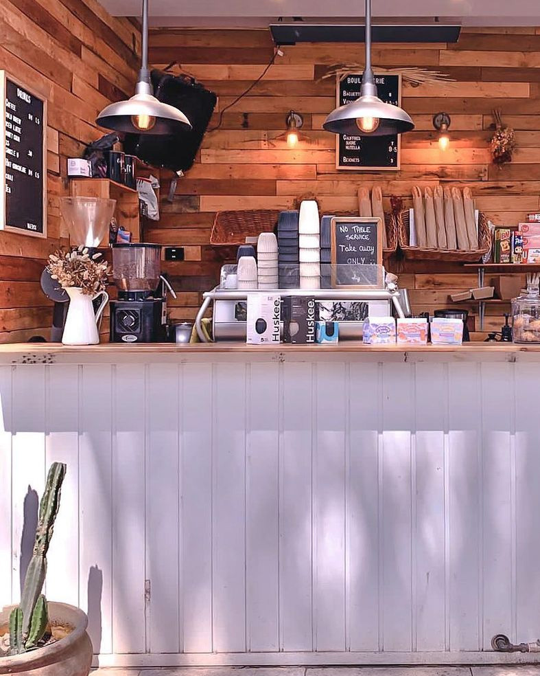 Front Photo of Mona Vale Cafe in NSW